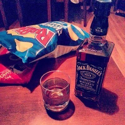 Jackdaniels Ruffles Gofret Night starting home instagram instagood instamood drink whisky note2 black