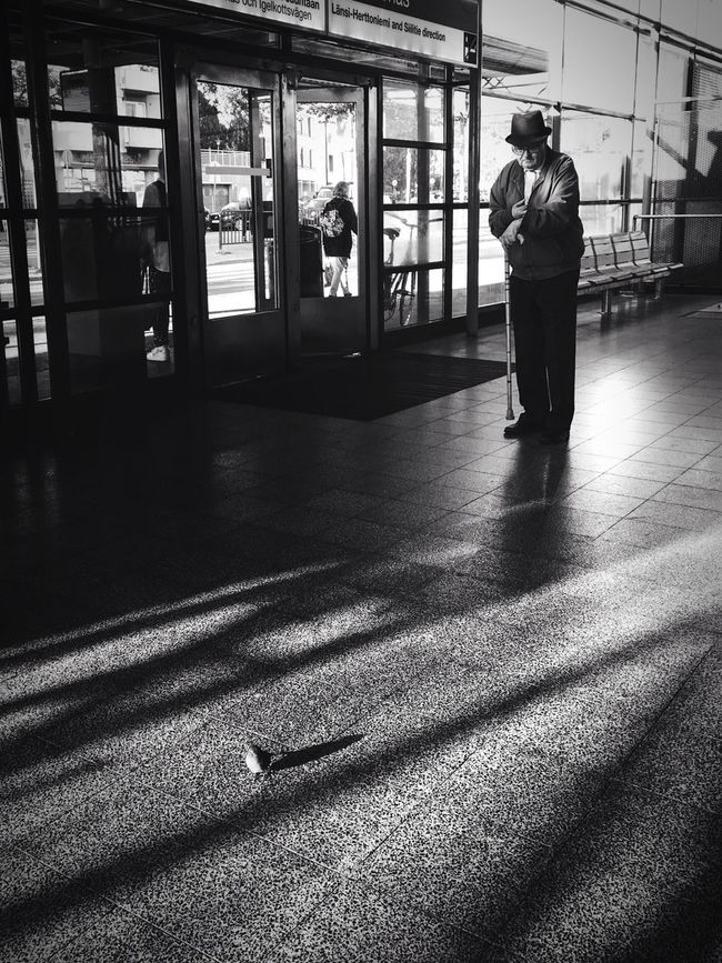 I am a busy man but I have always time for you my bird. Transportation Streetphotography AMPt_community Artmobile Streetphoto_bw Blackandwhite