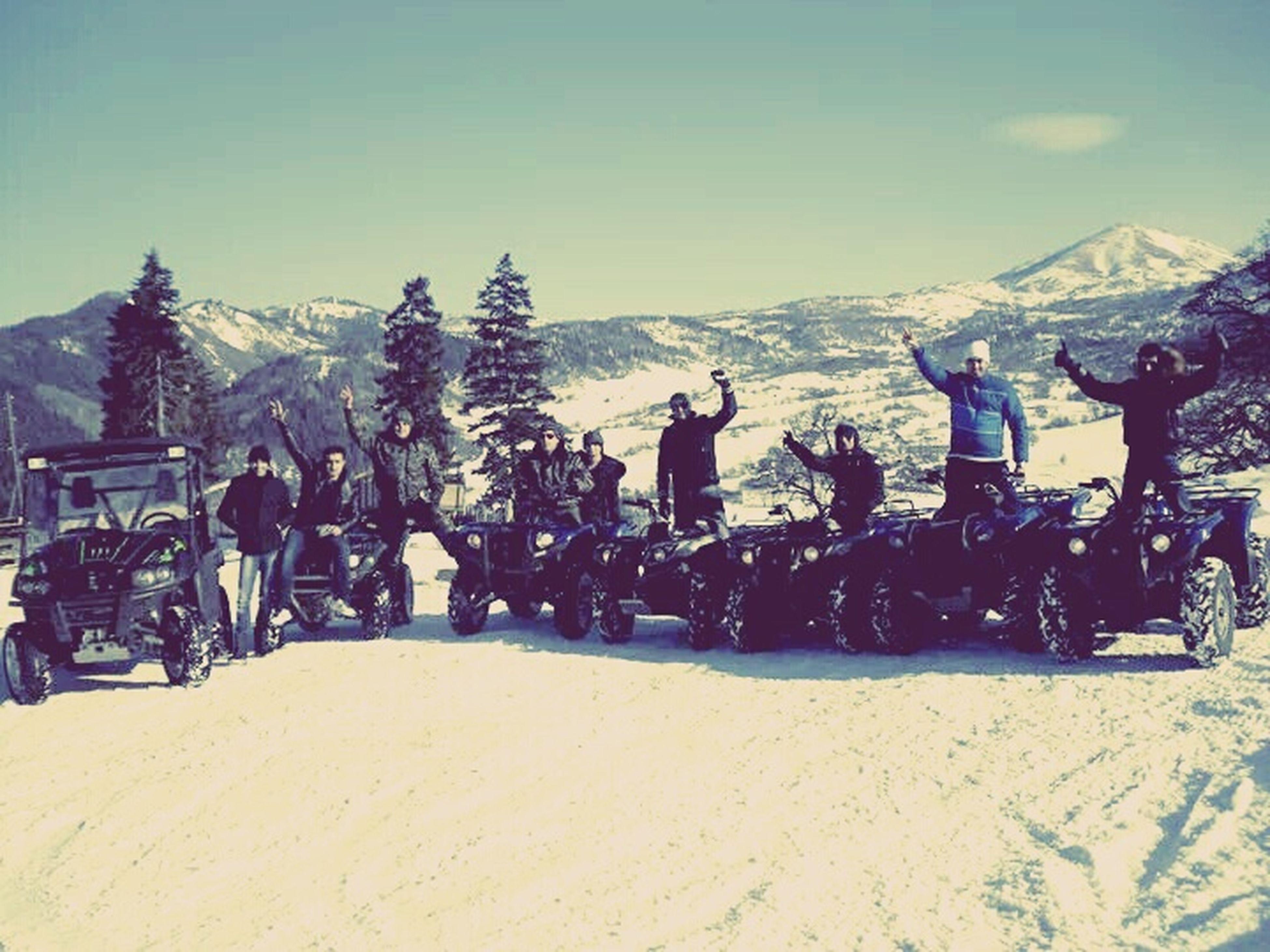mountain, snow, winter, cold temperature, mountain range, sky, large group of people, leisure activity, landscape, men, lifestyles, snowcapped mountain, scenics, vacations, travel, season, tourism, nature, tourist