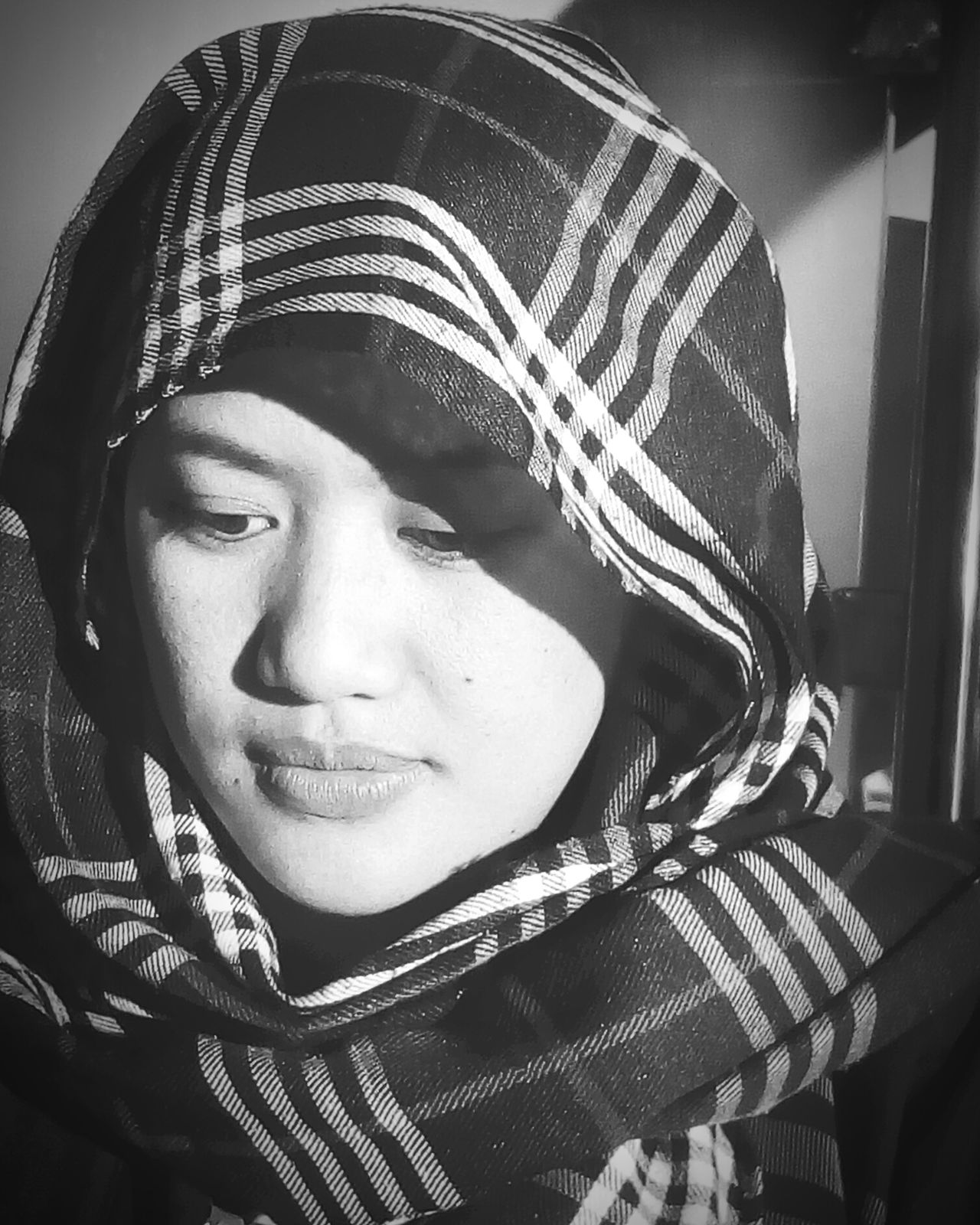Tarha. Tarha Headshot Close-up One Person One Woman Only Adult NoOtherColor Black And White Portrait Blackandwhite Photography Blackandwhitephoto Black & White First Eyeem Photo First Open Edit Firsteyeemphotoofmyself