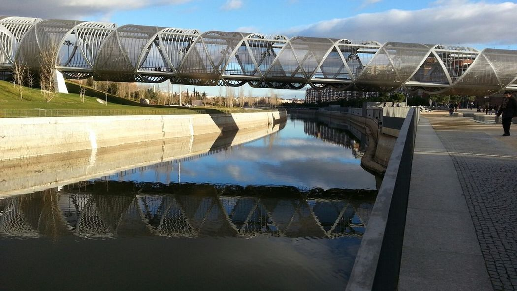 reflejos Linearity Bridge Lost In Madrid