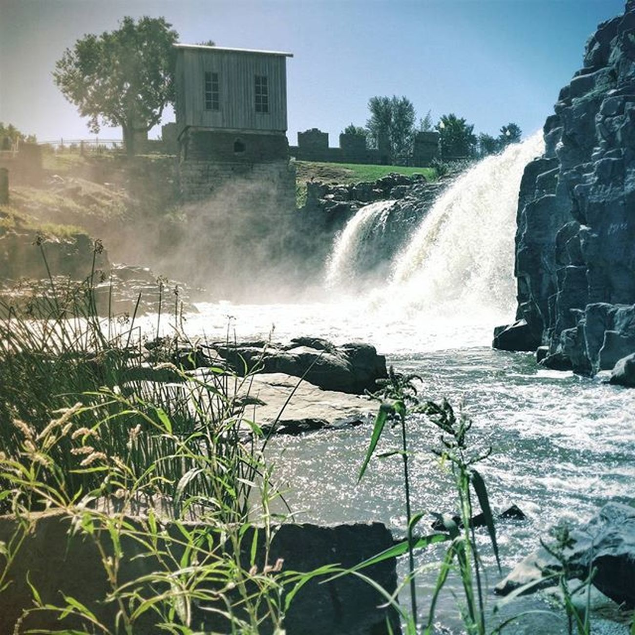 I always have to visit the Falls when I'm in town, this was Daxley's first trip and she loved it. Siouxfalls Southdakota Hifromsd Fallspark waterfalls mist beautyiseverywhere favoriteplaces picoftheday fallsinlove