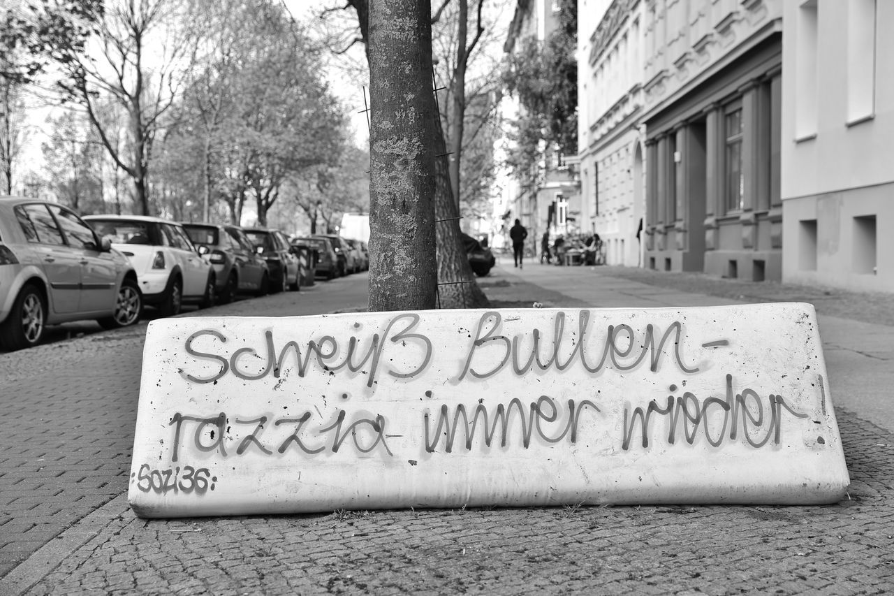 Bullen City Communication Day Kreuzberg No People Outdoors Polizei Razzia S/w Scheiße Street Text Tree Trzoska