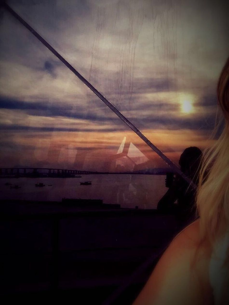 Light And Reflection Glass Reflection Ponterioniteroi Niteroi Museum Blonde Girl