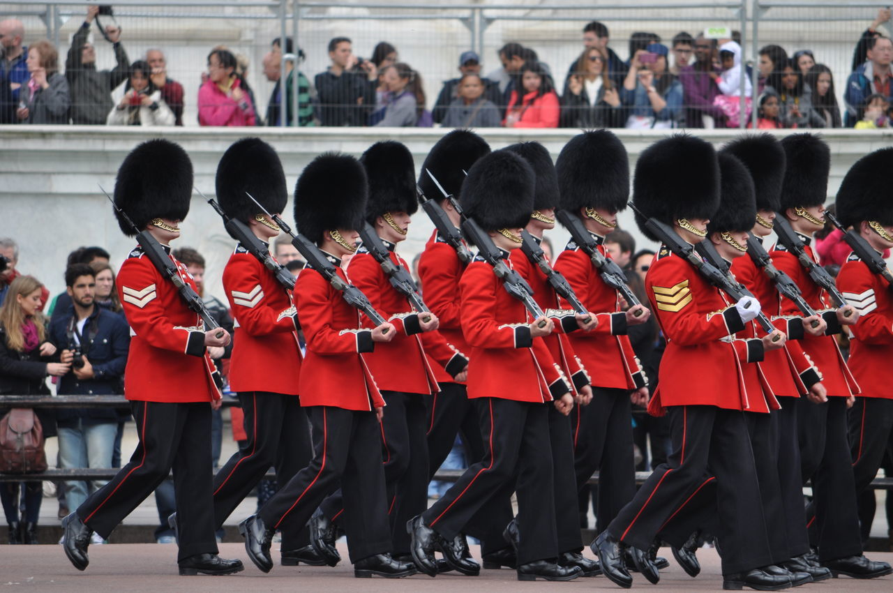 Buckingham Palace Culture Large Group Of People London Mar Person Queens Palace Soldier Synchronized Teamwork