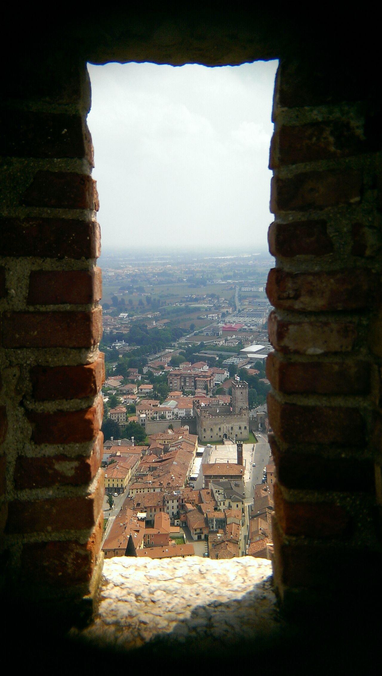 Castle 2 Castle. Castles Framing Viewpoints Bricks