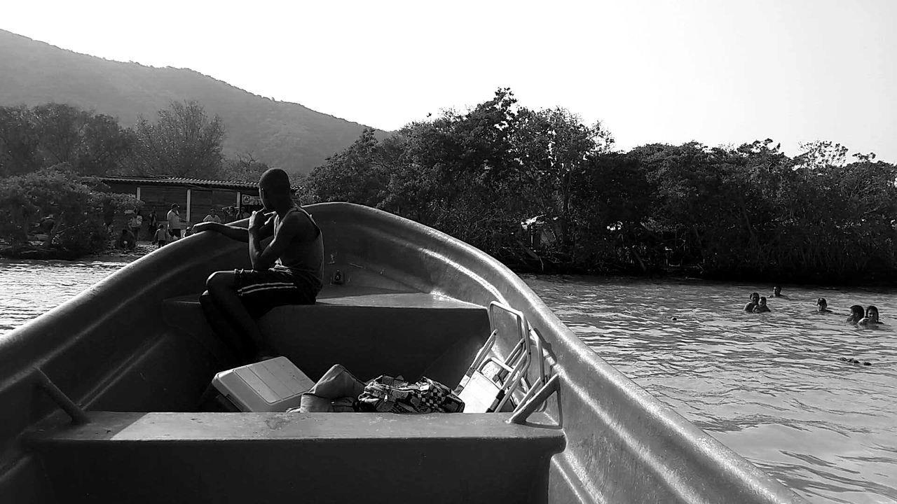 Cata La Cienaga Ocumaredelacosta Beach Island Boat Palms Documentary Photography Blackandwhite Kid Venezuela Aragua Sun Ocean