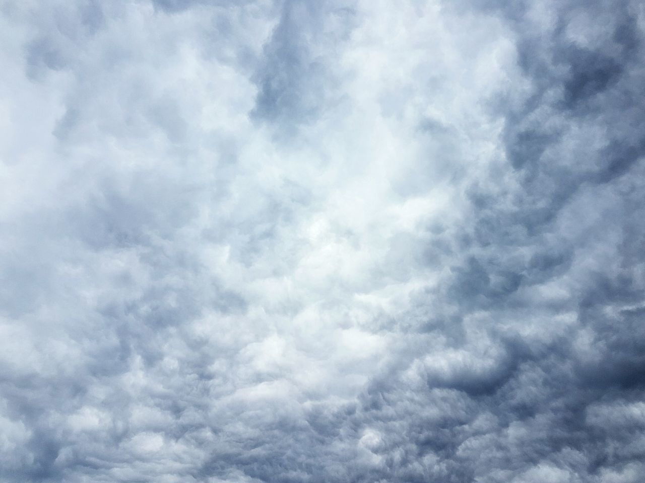 A beautiful dramatic sky today... ❤ Sky Cloud - Sky Dramatic Sky Dramatic Skyscape Sky Only Abstract Textured  No People Backgrounds Outdoors Nature Beauty In Nature Scenics The Great Outdoors - 2017 EyeEm Awards BYOPaper!
