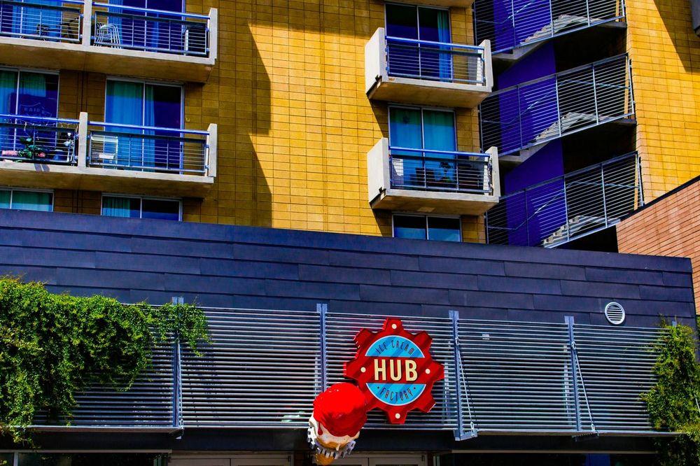 The hub ice cream factory. Downtown Arizona Walking Around Streetphotography Eyeem Photography The Hub Ice Cream Architecture Photography
