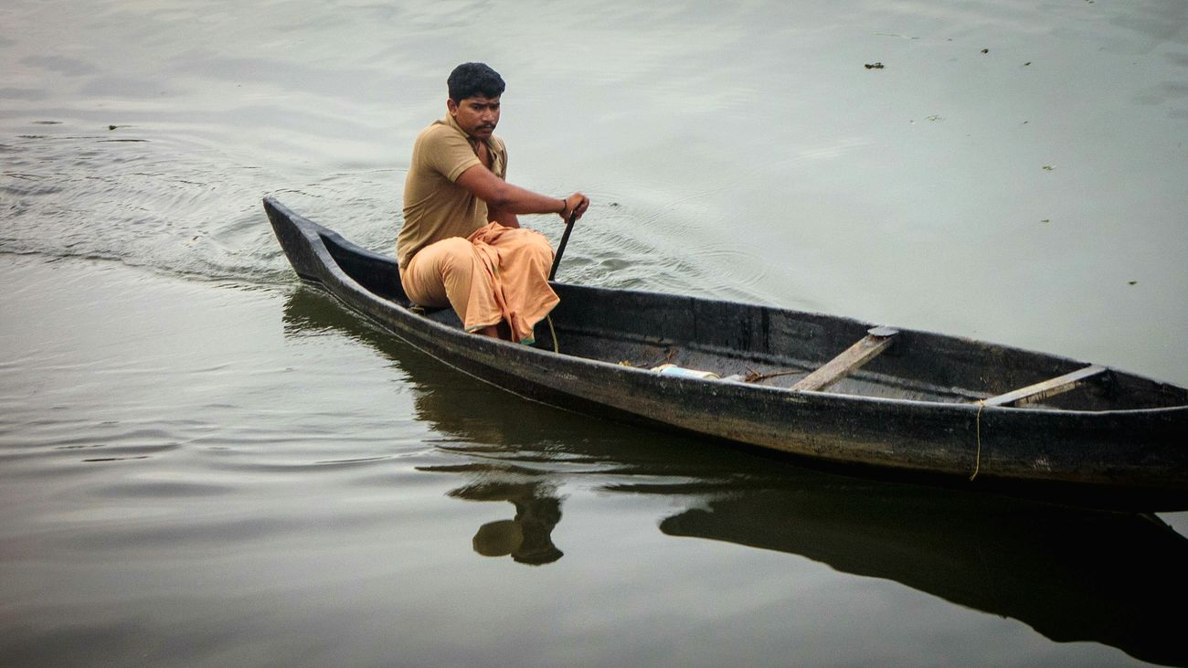Everyday is a journey, and the journey itself is home Travel Solo Boatride Relaxing Hello World Kerala Keralatourism Vanchi Incredible India Backwaters Kumarakom Vembanad Lake Rx100 Sonyrx100 Point And Shoot Village Life Waterways First Eyeem Photo Traveling Travel Photography India Wanderlust