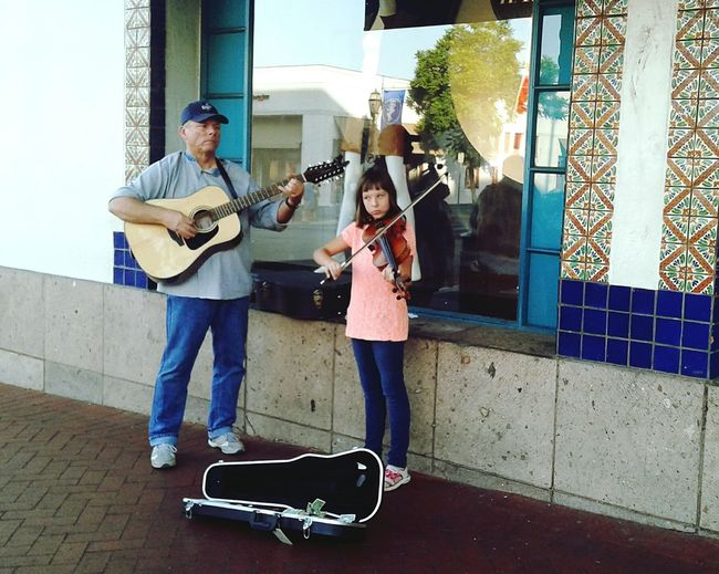 Two Is Better Than One Music violin Father And Daughter Street Photography Guitarist Violin Girl Duet Music Brings Us Together