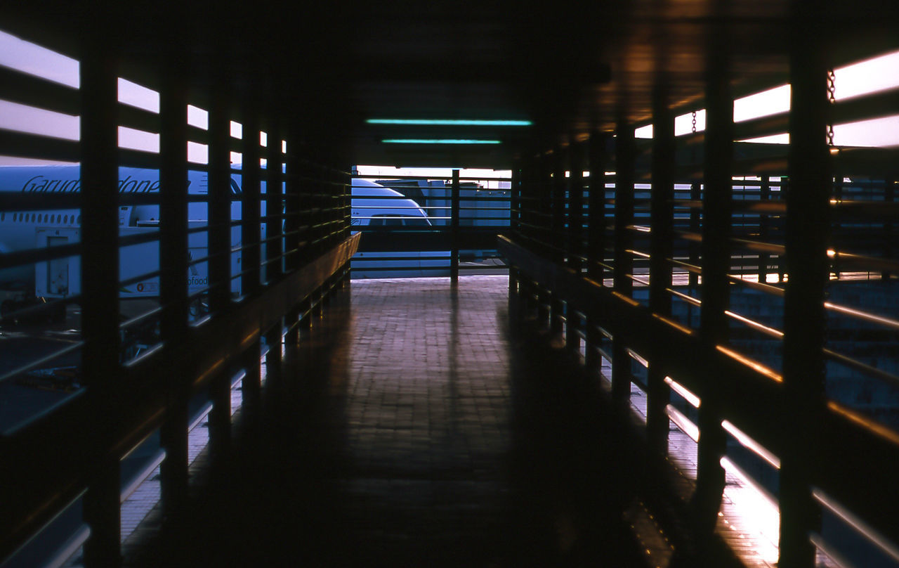 indoors, corridor, no people, architecture, built structure, the way forward, illuminated, day
