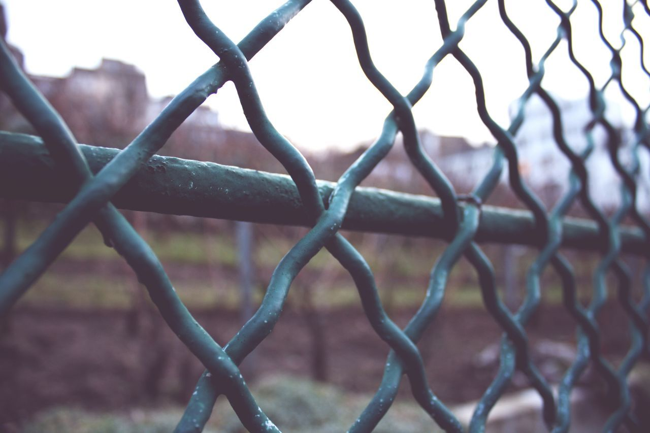 metal, chainlink fence, protection, safety, no people, day, close-up, focus on foreground, outdoors, nature, sky