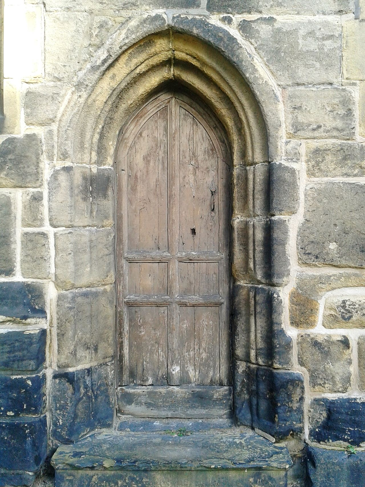 Doorporn Doorwaysoftheworld Doorway Churchyard Medieval Beautiful Stonework Entrance Oldbuildings Stonework Steps Hello World Peaceful Place Architectural Detail Churches Old Churches Medieval Architecture Praying Singing Sunday Mass Graveyard Beauty Minister Haunted Places Valley Autumn Check This Out