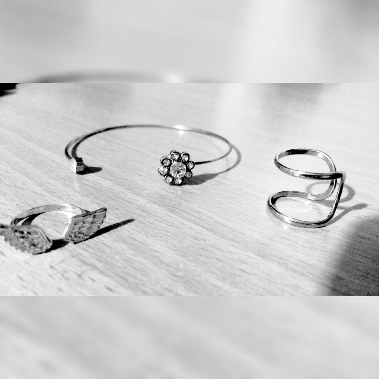 Fashionblogger Fashion&love&beauty Fashion&style Likeforlike #likemyphoto #qlikemyphotos #like4like #likemypic #likeback #ilikeback #10likes #50likes #100likes #20likes #likere Fashion Forever Urban Fashion Jewelry Jewellery💎 Silver  Diamonds Elegance Everywhere Shick Likesforlikes Ameteur Photography