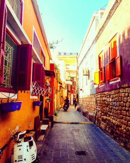 Oldcity TYR Narrowstreets Lebanon Coloredfacades