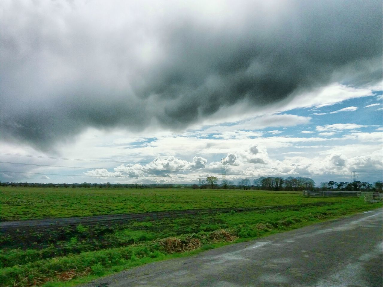 Nature On Your Doorstep Showcase April Somerset Levels Uk In All Its Glory Clouds And Sky Relaxing Taking Photos