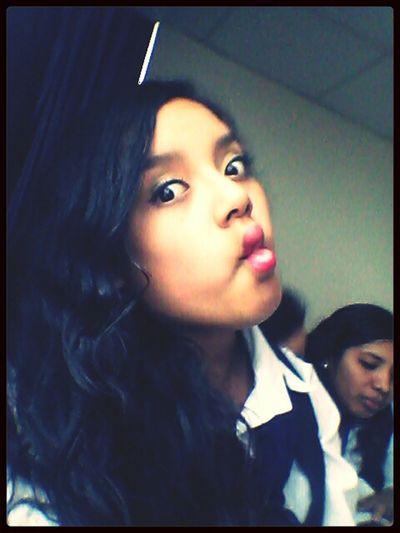 boquita de pez!♣♣ Taking Photos Studying At School Friends