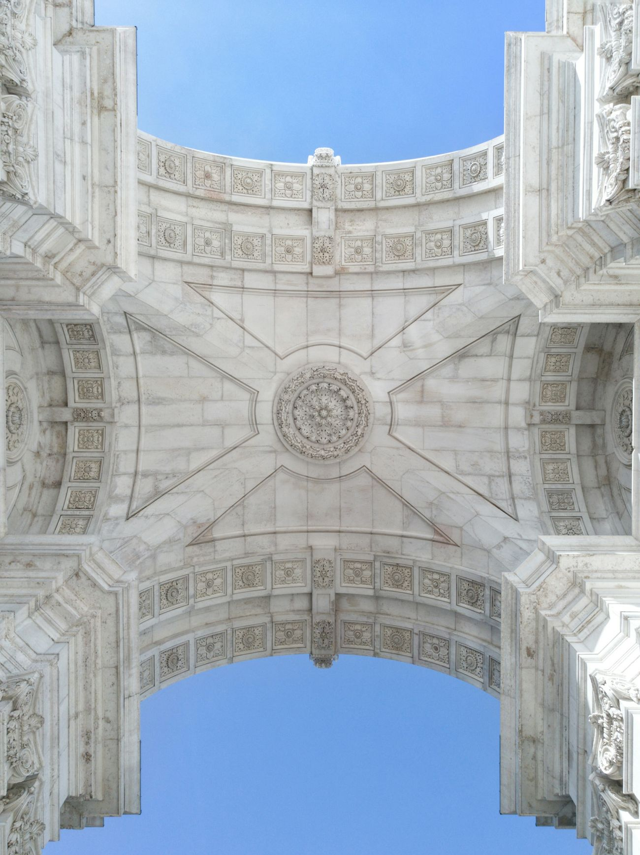 First Eyeem Photo Architecturephotography No People Building Exterior Arch Cultures Sky Day Triumphal Arch Lisbona Lisboa Photography Simmetry Prospective Blue