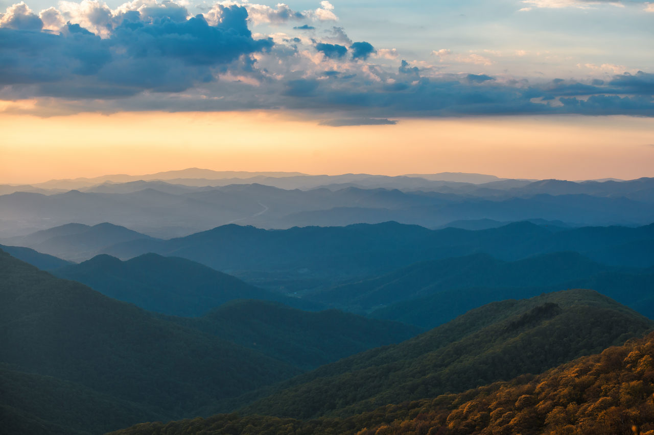 nature, mountain, beauty in nature, tranquil scene, scenics, sky, tranquility, sunset, mountain range, outdoors, no people, idyllic, cloud - sky, landscape, day