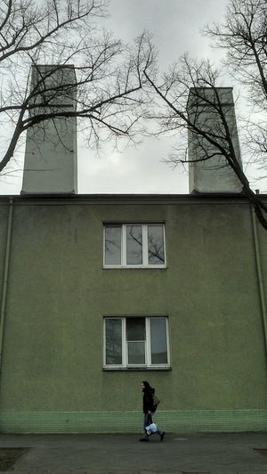 Green Alien House Saying Hello . Unoculus Hokuspokus Fidybus . Chimney Staffage Antennas ? Tree Hands Treefriends .... Helloooooo