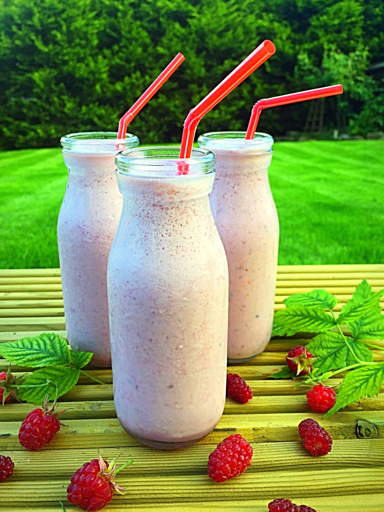 Raspberries Superfoodsuperboost Milkshake♥ Refreshment Beverage Healthy Drinks Delicious Summer ☀ Garden Photography Garden Homegrown Smoothie Time  Smoothies Raspberryseason Creamy Thickshake Dairy Smoothie Time  Refreshing :) Food And Drink Refreshingdrink