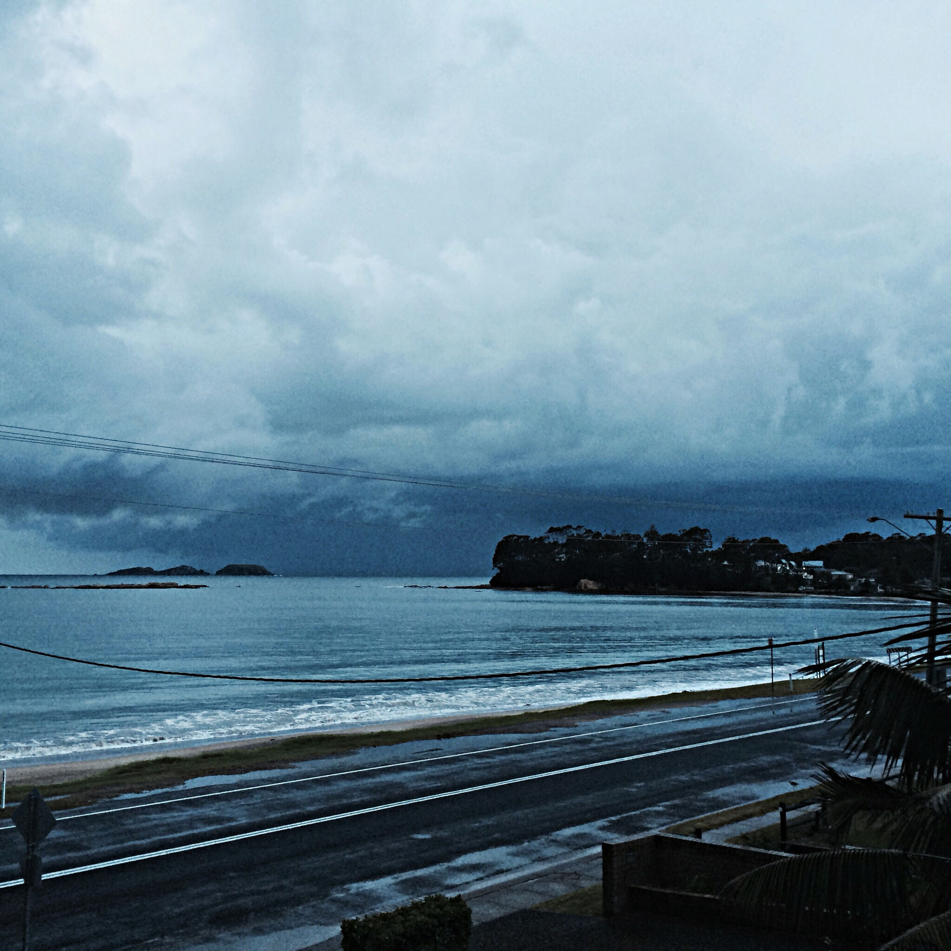 sea, sky, water, horizon over water, cloud - sky, scenics, cloudy, tranquil scene, tranquility, beauty in nature, beach, weather, nature, shore, overcast, cloud, idyllic, coastline, storm cloud, outdoors
