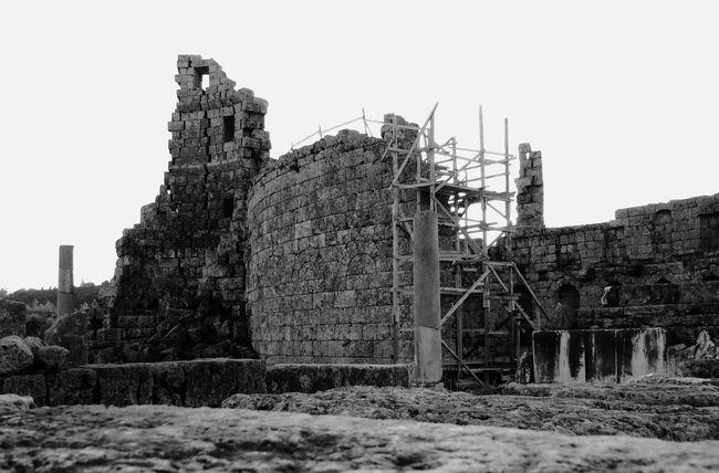 Milenium The Architect - 2016 EyeEm Awards Architecture Bnwphotography Architecture_collection Urbex Pergeesh Milenario Antique Monument Mesopotamia