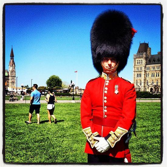 Beefeater. The Honor Guard. #ottawa #military Ontario Guard Protection March IPhoneography Instagood Tourist Webstagram Visitors Peacetower Canada Parliament Ottawa Beefeater Military Canadian_icon Iphoneonly Parliament_hill Honor Changing_guards Salute Redjacket Attention Instamood Uniform Government
