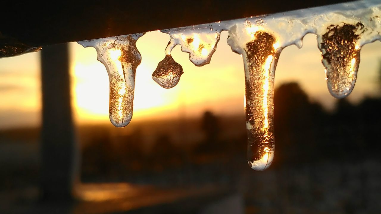 Frozen water at sunset light Sunset Close-up Water Beauty In Nature Weather Cold Temperature Italy Outdoors Nature Sunsetlovers Sunset_collection Drops Stalagmites Frozen
