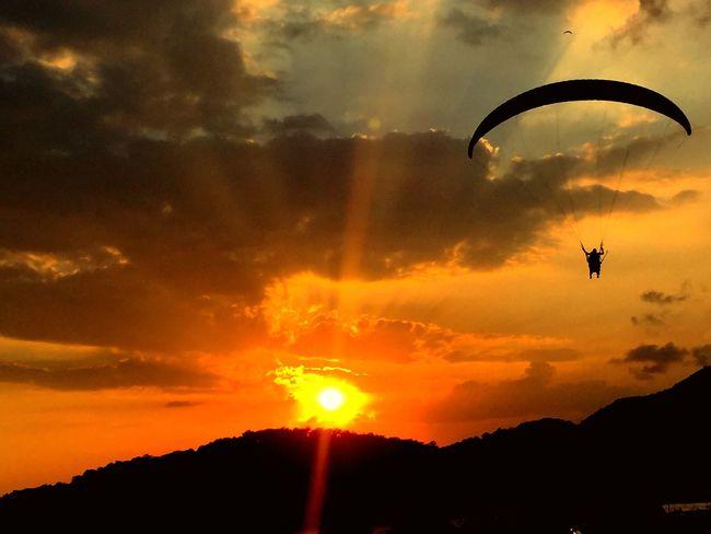 Gün batımını izlemek bu olsa gerek.. Sunset Oludeniz Faralya Fethiye Beauty In Nature Sky Nature Life Mutluluk Hayat Tourist Akşam Gunbatimi Nice Day Summer Sun Seyehat Gezinti Turkey Etkileyici