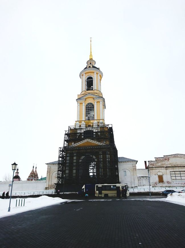 Bell tower Travel Religion Travel Destinations No People City Business Finance And Industry Architecture Place Of Worship Outdoors Day Sky Suzdal Kremlin Suzdal Bell Tower 3XSPUnity Travel Beauty In Nature Snowflake Cityscape Cold Temperature Snow Building Exterior Architecture