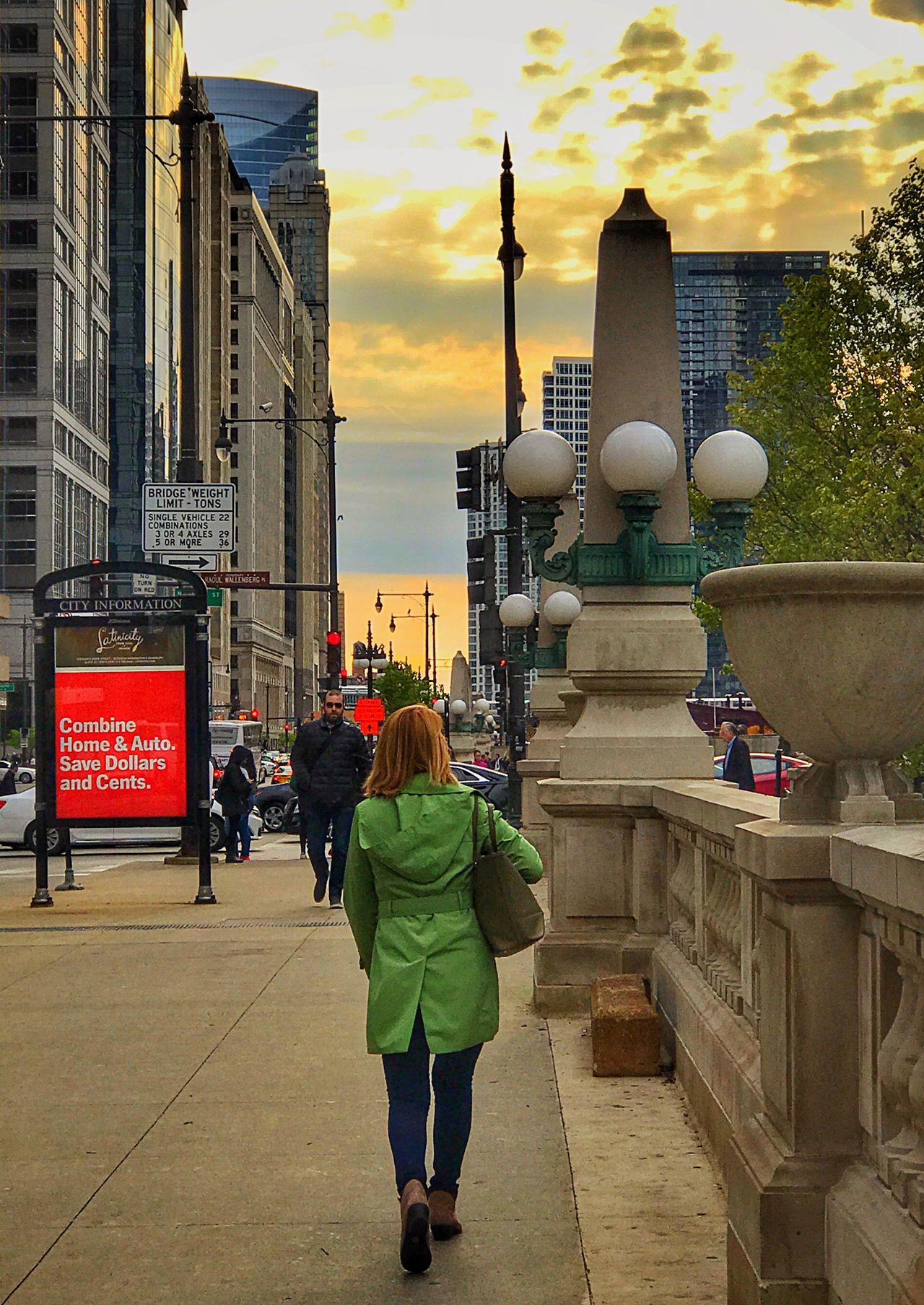 Golden Hour in the Chicago Loop Sunset 🌅 AArchitecture pPeople wWalking oOutdoors uUrban uUrbanphotography CCity LLove eExplore UUrban Exploration eEyeemurban EEyeEm Best Shots EEyeEm Gallery eEyeemphotography iIPhoneography The Street Photographer - 2017 EyeEm Awards