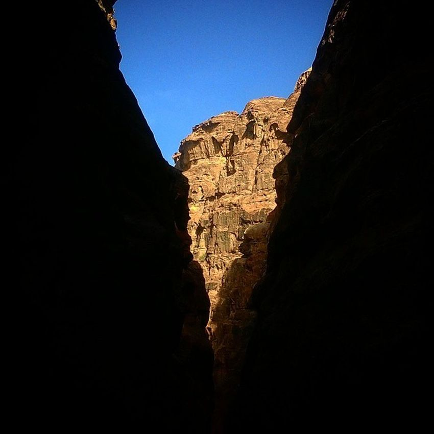 The Siq YSBH Tlpicks Bestvacations Beautifuldestinations Bucketlist Globejetsetter Worldheritage Worldplaces Petra Jordan Lonelyplanet Travelphotography Instatravel