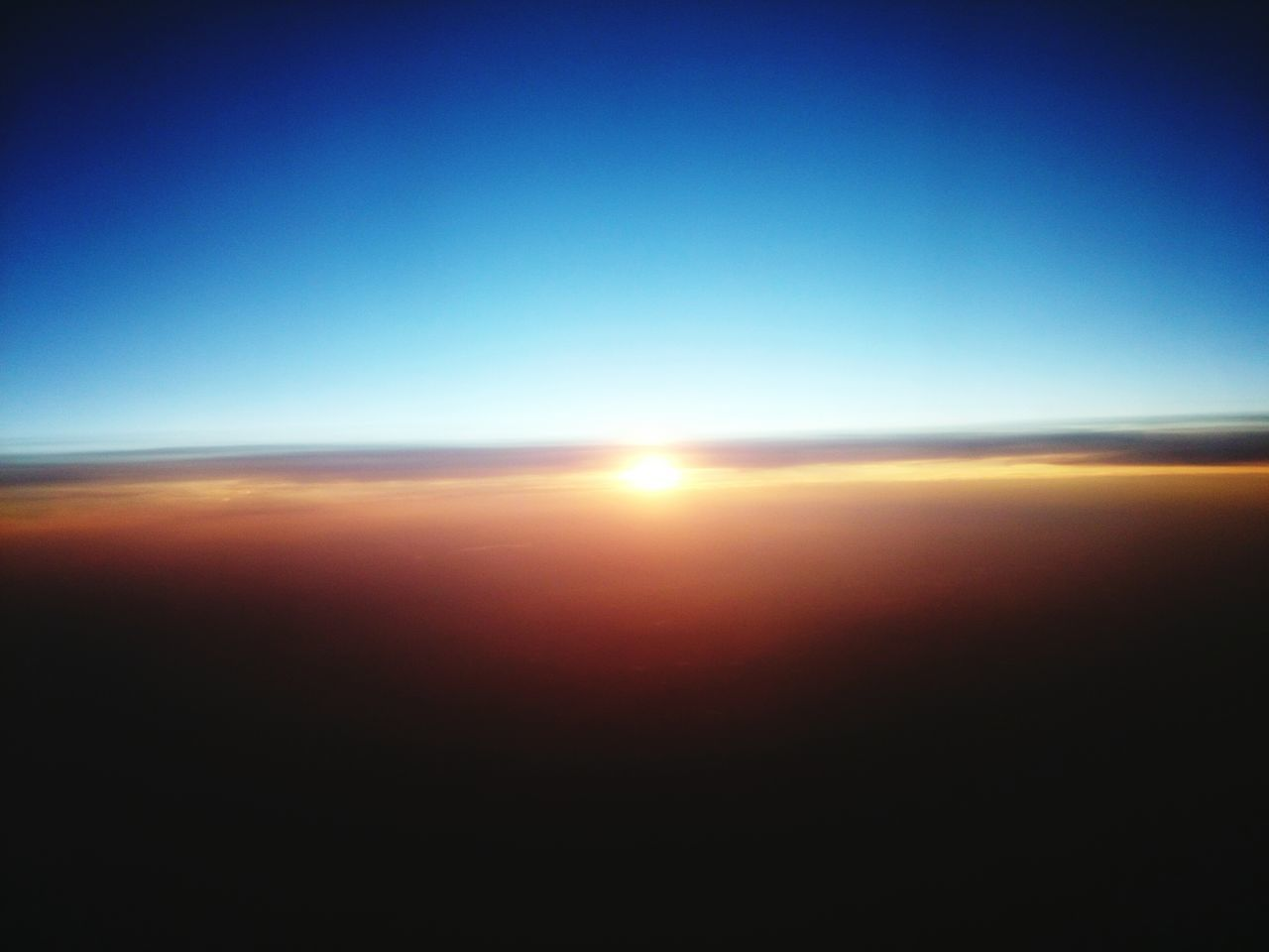 SUNSET DURING OUR FLIGHT FROM NAPLES TO BERLIN Naples Napoli Berlin Berliner Ansichten My Fuckin Berlin Sunset Sunset_collection Sonnenuntergang Sonne Clouds And Sky
