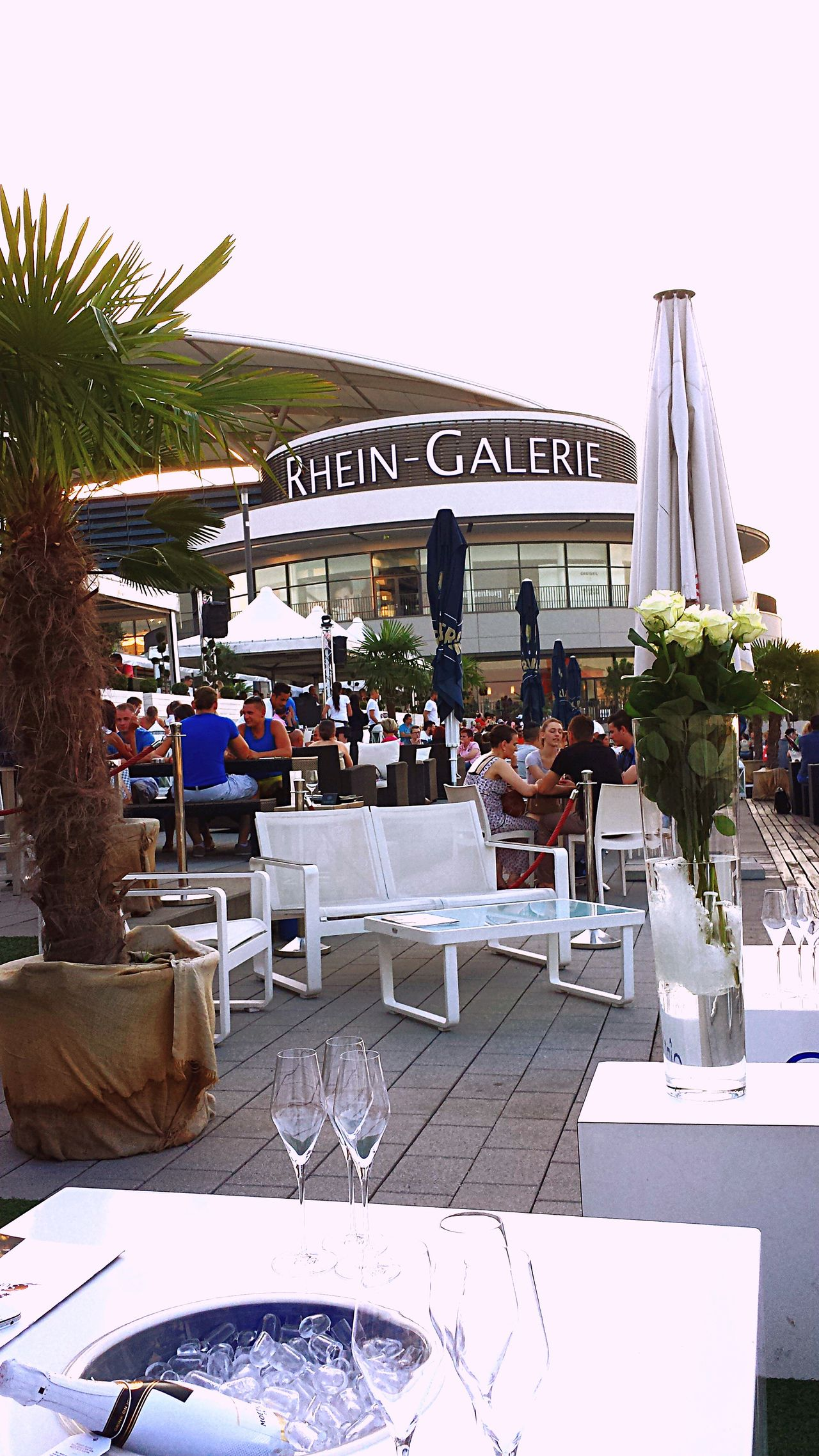 Check This Out Summer Chilling Rhein Shopping Mall Vacation Holiday Ludwigshafen RheinGalerie Germany