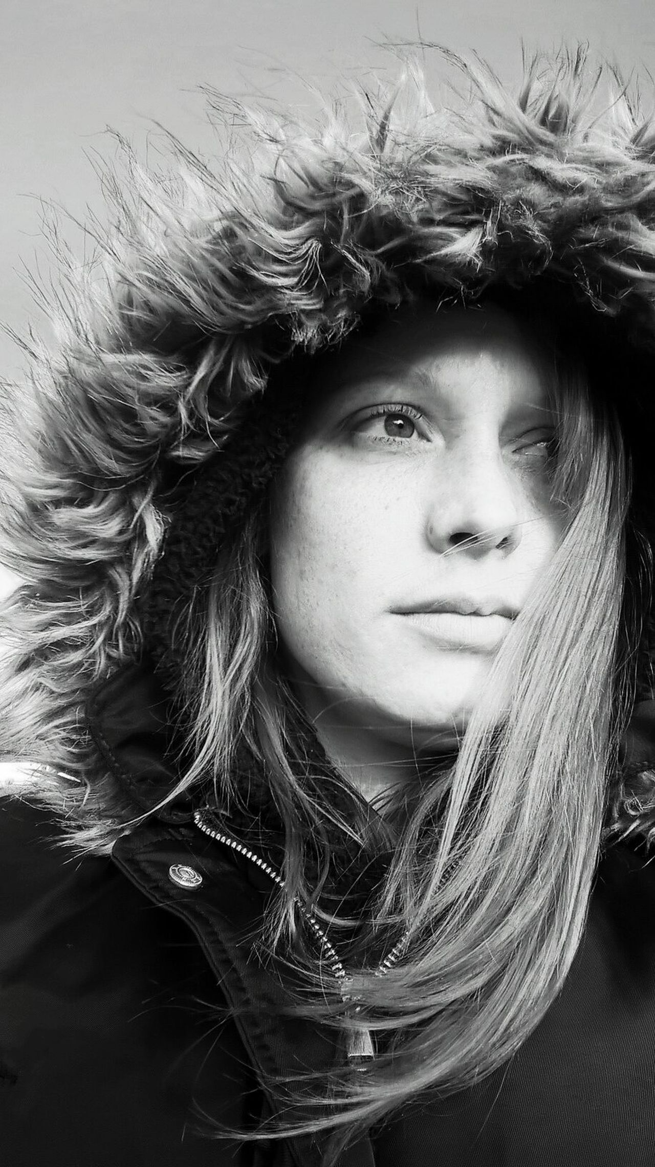 Headshot One Young Woman Only Close-up Portrait Independent Woman Enjoying Life Outdoors Long Hair Hood - Clothing Contemplative