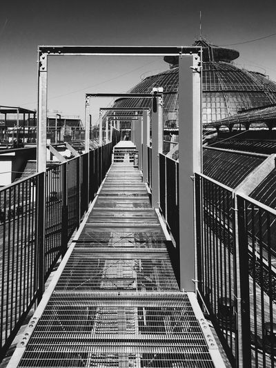Architecture Built Structure Railing The Way Forward No People Building Exterior Day Outdoors Sky City TheWeekOnEyeEM IPhoneography Blackandwhite Highline Galleria Milano City Architecture