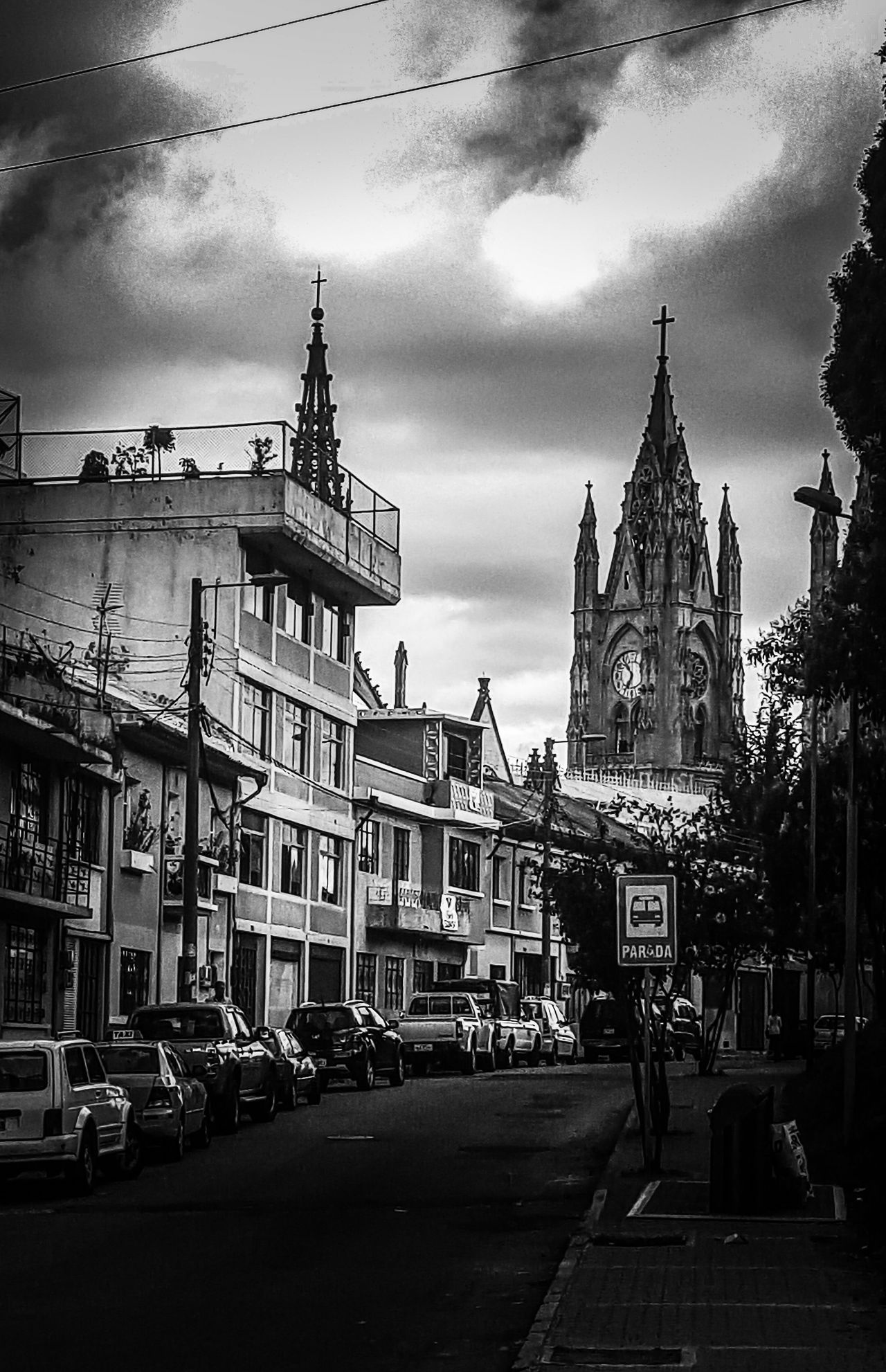 San Juan , Quito - Ecuador Cities QuitoEcuador Photowalk City View  Photooftheday Photographer Photography Quito City Quito Ecuador Ecuador♥ Darkness Darkness And Light Photo Gothic Beauty  Citytrip City Cathedral Walls Photo Of The Day Gothic Architecture Cathedral