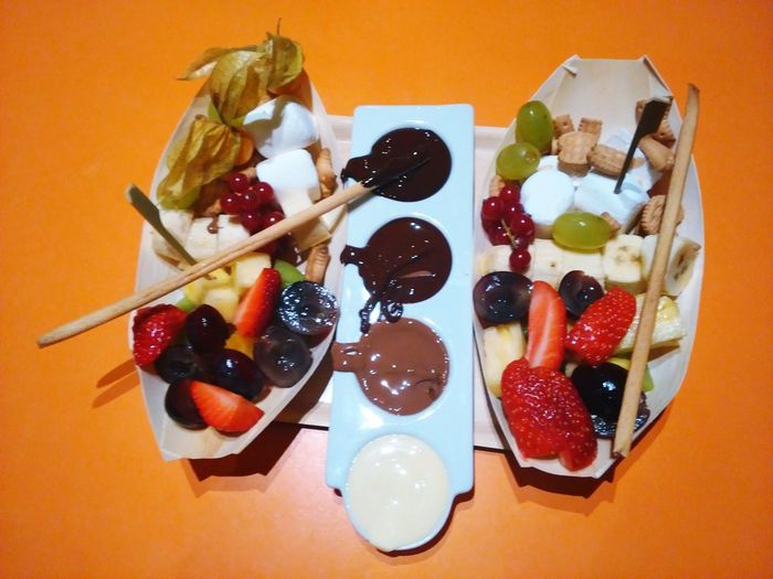 Chocolate Time Chocolate Fondue Fruits Yummy! Loveit Delicious ♡ Brunch Around The World