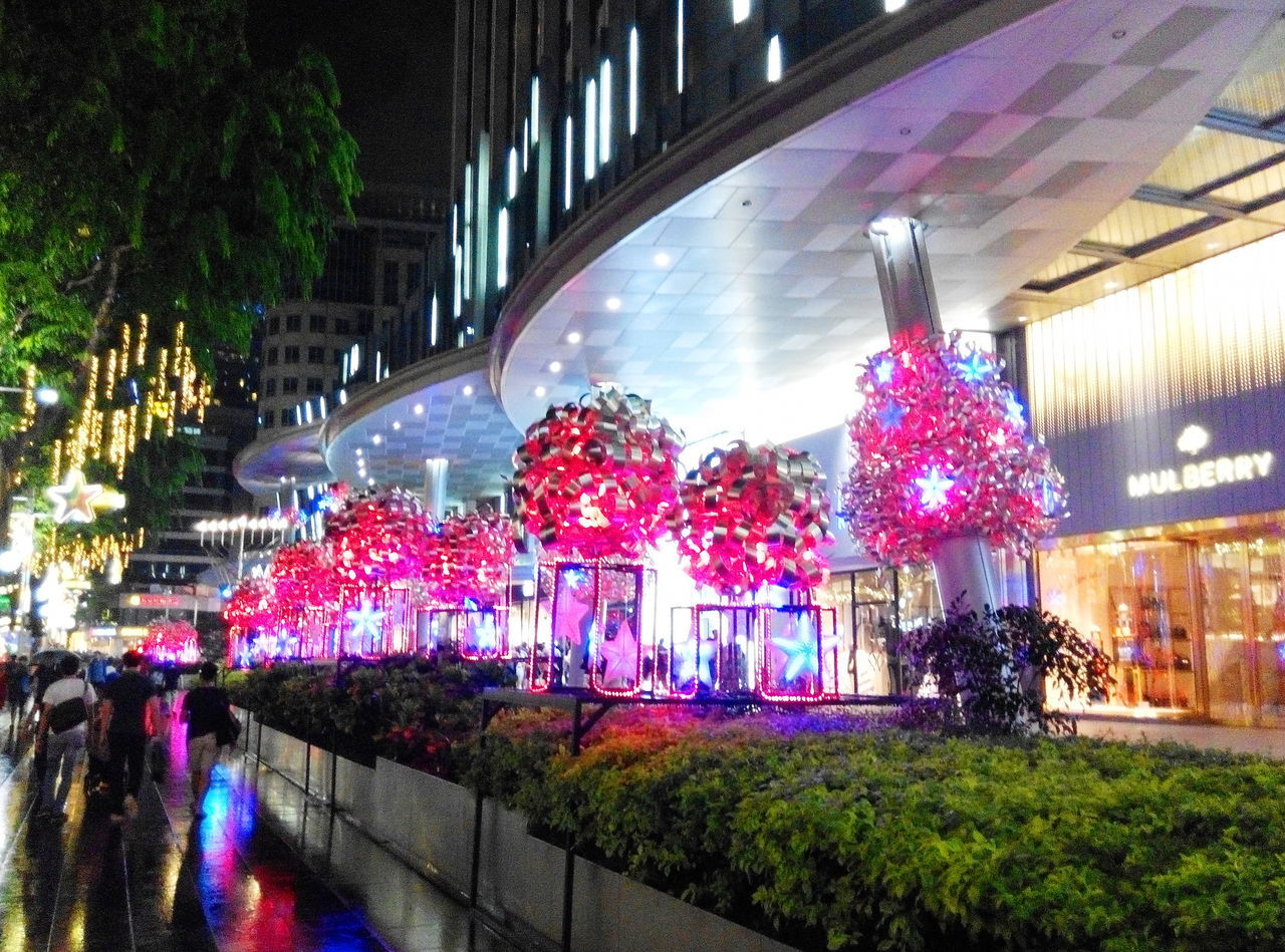 Festive Mood strolls City Life Cityscape Crowded Festive Crowds Festive Season Shopping Shopping Center Shopping Time Feel The Journey Color Palette Festival Beautifully Organized