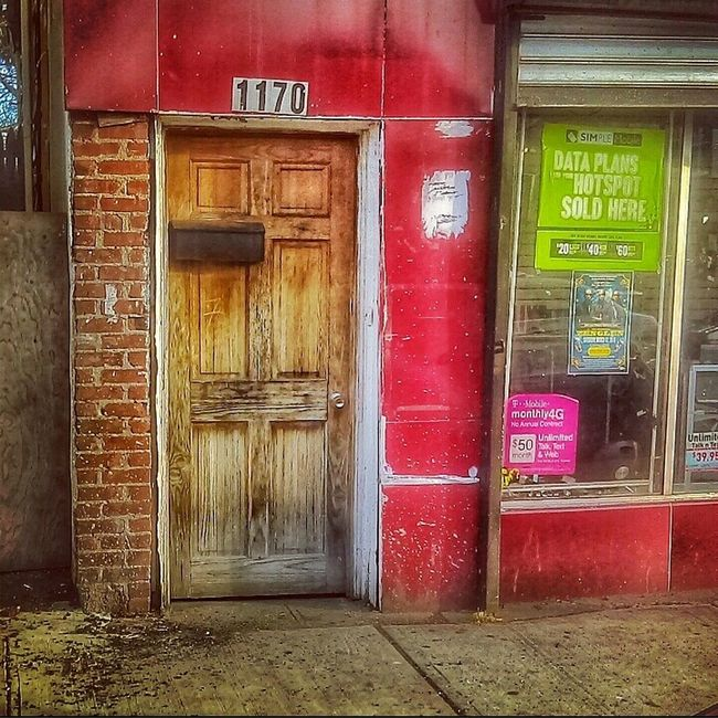 I Like It When You Talk Dirty... Doorporn Doorway Doorsandwindowsoftheworld AMPt_community Decay And Dereliction Streetphotography Urban Landscape Rotten EyeEm Best Shots - The Streets