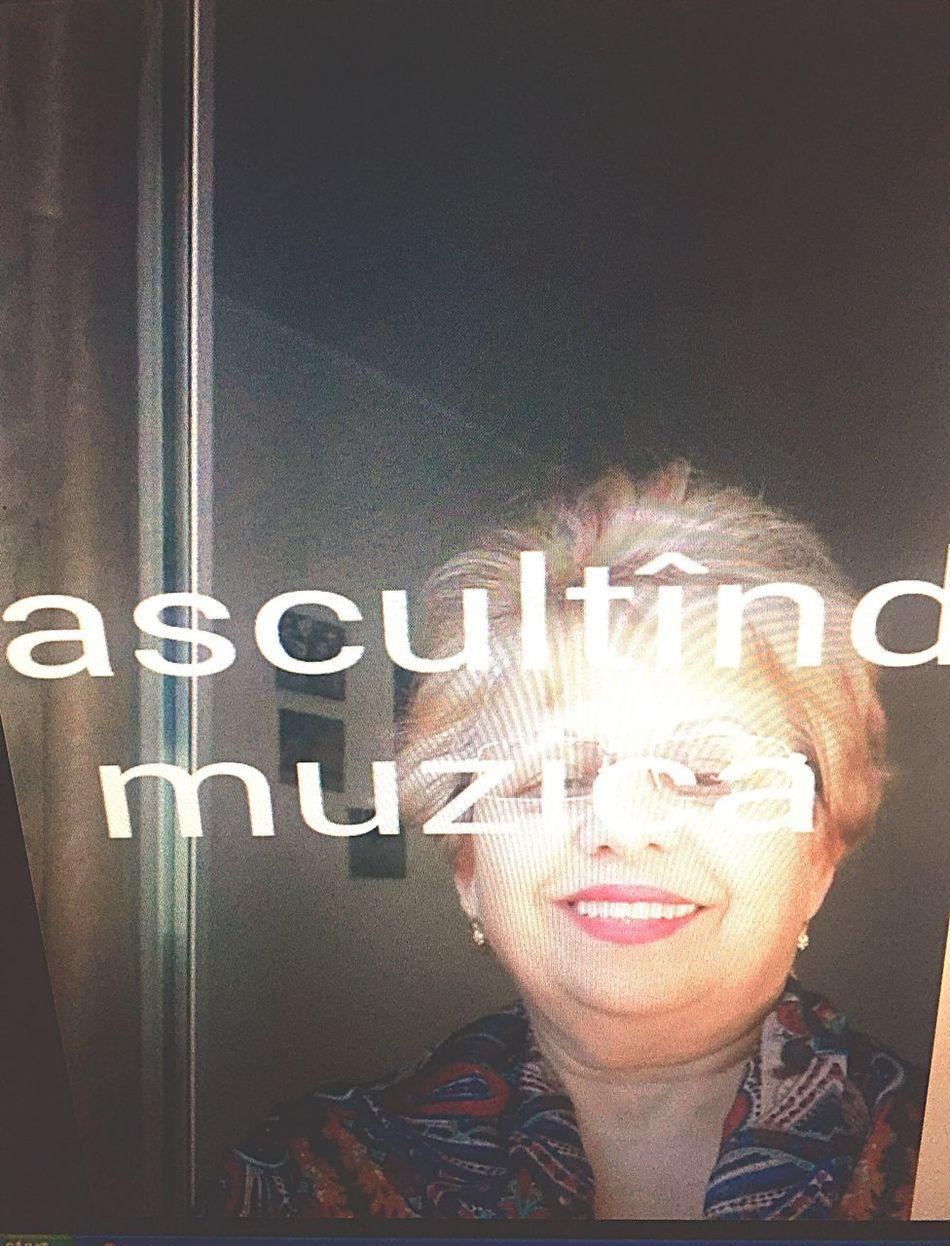 AM ÎNNEBUNIT. Gone Crazy Mamaita Grandma That  Too Motherfucking  Funny Shit She Listening To  Music