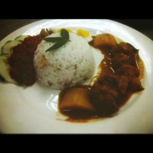 Practical exam. We were asked to cook Nasi Lemak and Curry Chicken. Abigthanksformyfriendsfortheircooperationinmakingthisasuccess :-*