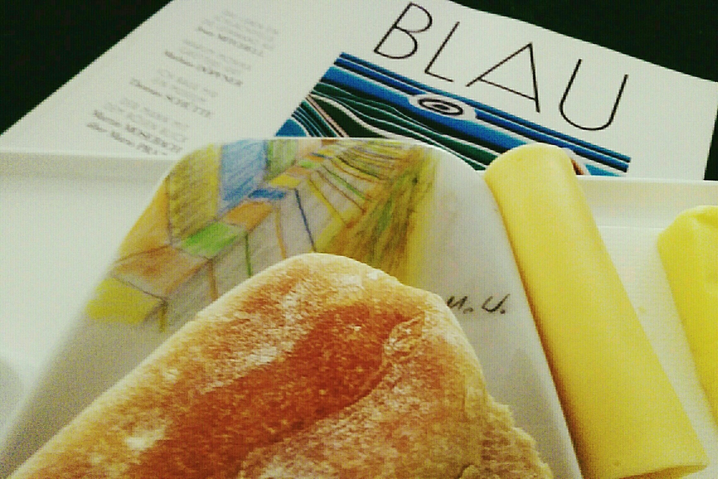 Breakfast with Love 41 Drawing by Mylove + Morning Bettlektüre Kunst Magazine Blau