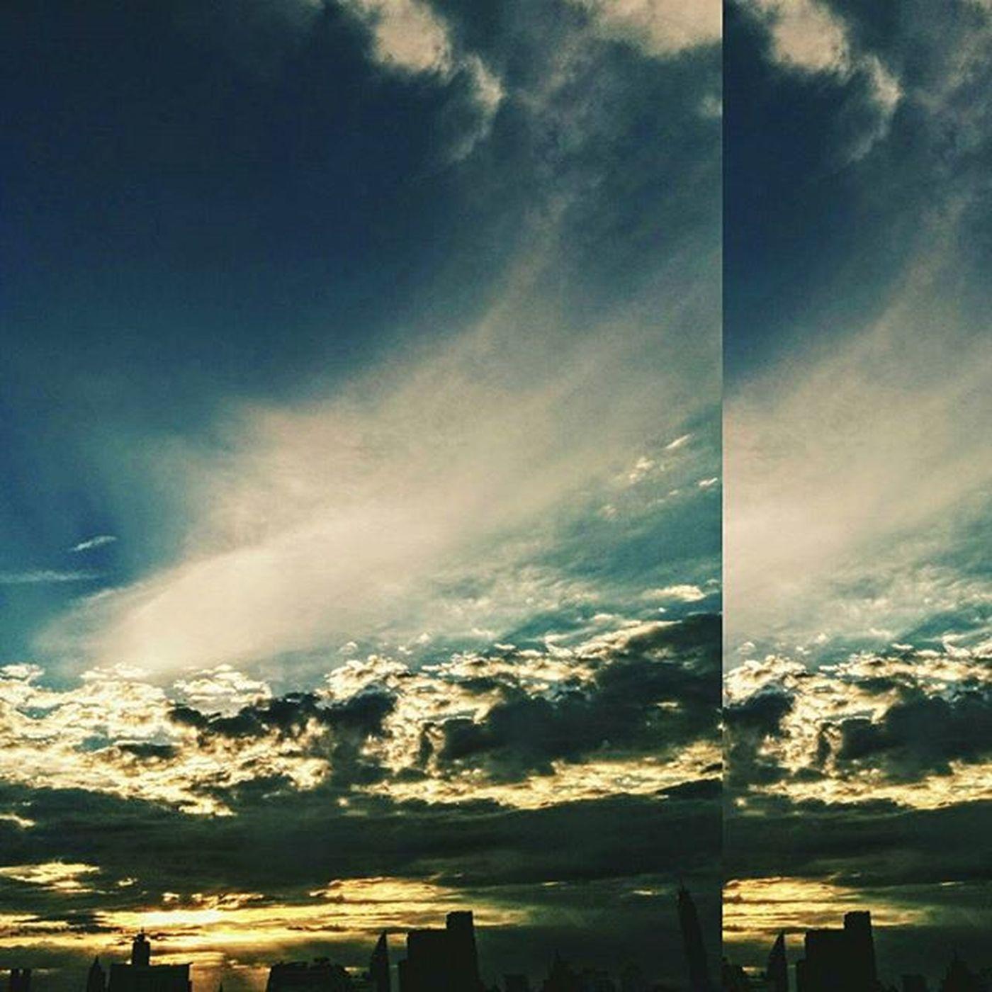 """อยากเห็นท้องฟ้าเป็นอย่างวันนั้นนน... อยากขอให้เป็นดังเดิมทุกอย่าง... อยากขอให้เป็นไปอย่างที่หวัง """"ให้เหมือนเดิมอีกครั้งนึง"""" Sky Skyviewer Sun Sunset Sunlight Cloud Staystrongthailand Bangkokskyline"""