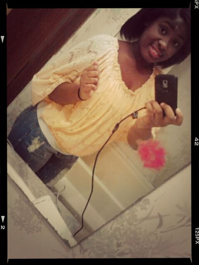 I Mite Not Be The Prettiest Girl In The World But I Have The Biggest Heart Of Gold And And Smile To Fill Ur Hearts Desire
