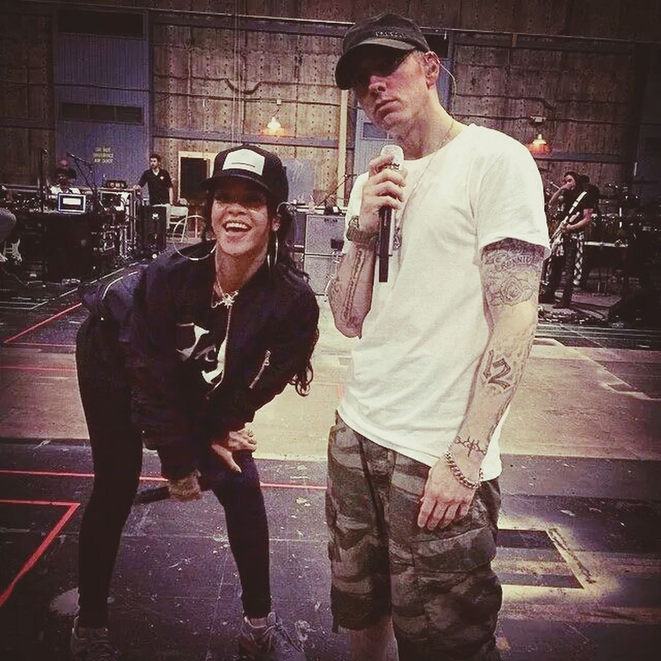 ensaio Themonstertour RIHANNA❤ and Eminem ♥ Follow4follow #navy