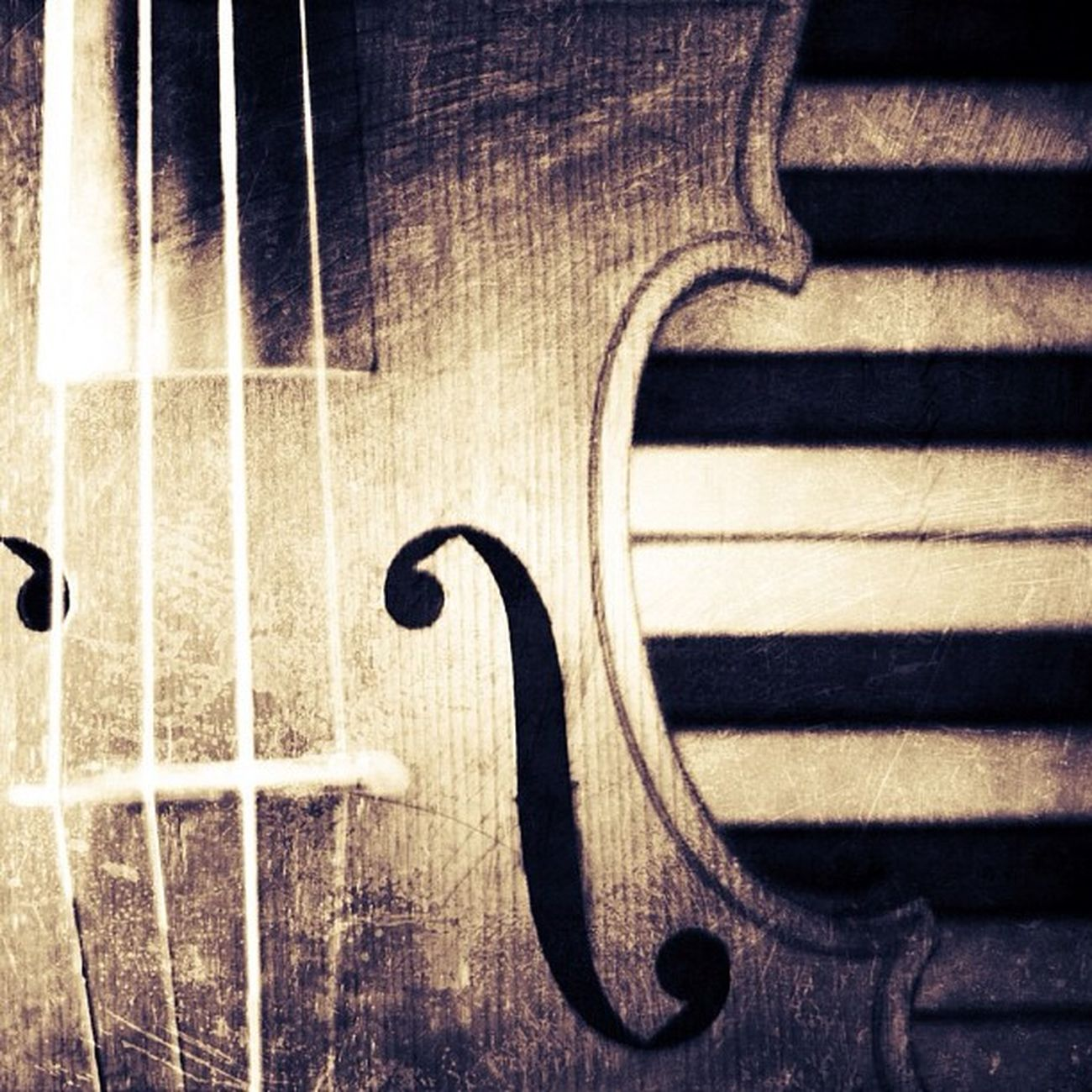 It's older than it looks. Really. #violin #music #piano #instruments Notes Instagramhub Keys Jj_forum Piano The_guild Nostalgia Primeshots Instruments Ilovemusic Violin Photosfans Photooftheday Gmy Musica Igmusic GCS Instamillion Strings Jj_forum_0362 Igers Jj_forum_0410 IGDaily Jj  Instagood Igscout Music Instaaaaah