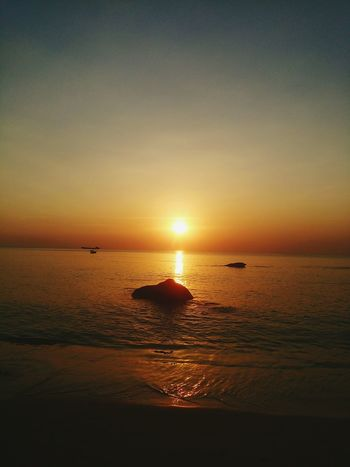 Sunset Sea Water Beach Beauty In Nature Horizon Over Water Nature Sun Sky Travel Destinations Sunset_collection Vietnam Vietnamtravel Vietnam Photos Reflection Tranquility Idyllic Silhouette Scenics Tranquil Scene Outdoors Dramatic Sky No People Day